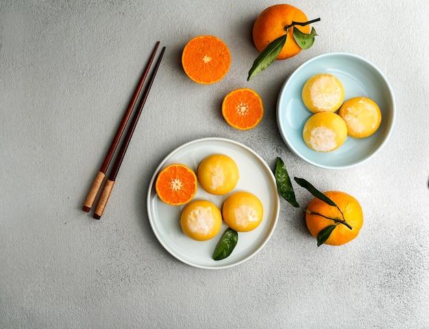 Mochi-eis mit mandarine