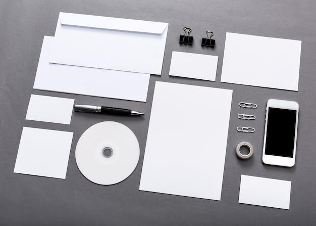 Mock-up für business-design, auf grauem hintergrund