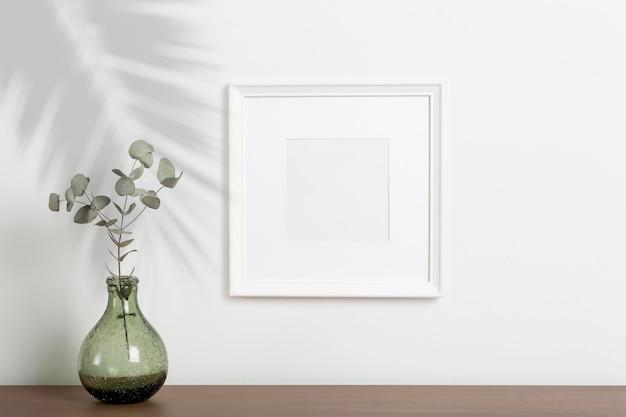 Mock-up leeren weißen rahmen hintergrund leeren rahmen für ein foto oder gemälde