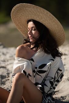 Mode badeanzug bikini frau in heißen bademode