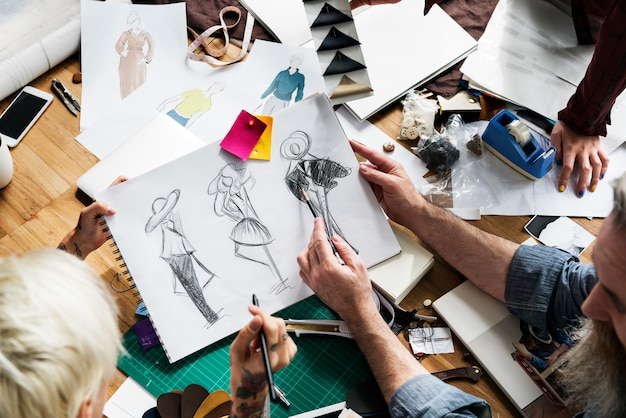 Mode-designer sketch drawing costume concept