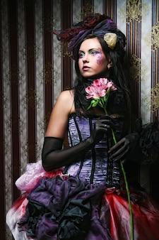 Mode geschossen von der frau in der puppeart. kreatives make-up.