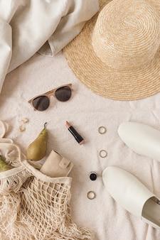 Mode weibliche bijouterie und accessoire komposition. schönheit, lifestyle, lässige collage