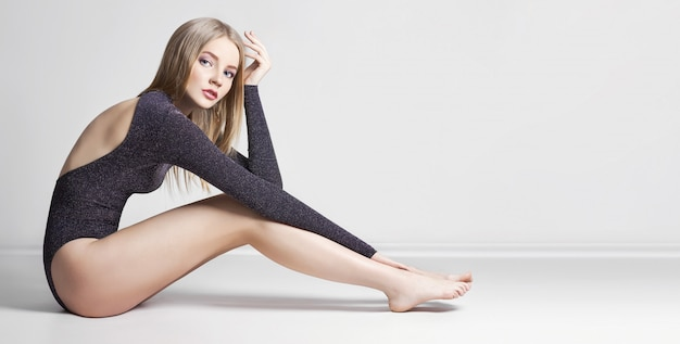 Modell schöne sexy blonde frau. mädchen perfekt