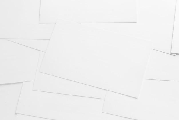 Modell von visitenkarten auf weißem strukturiertem papierhintergrund