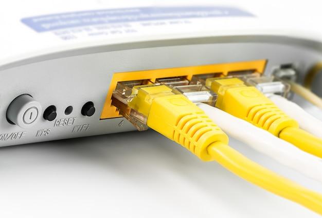 Modemrouter-netzwerk-hub