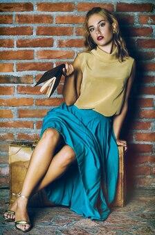 Modeporträt eines modells. retro lebensstil