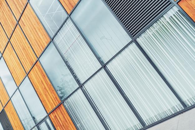 Moderne bürogebäudefassade