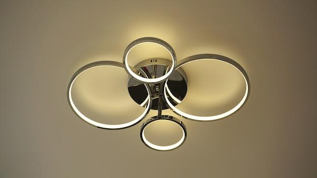 Moderne flache runde form deckenleuchte innenbeleuchtung glühbirnen dekoration zeitgenössisch