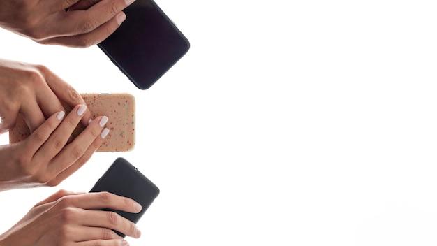 Moderne handys der ansicht von unten
