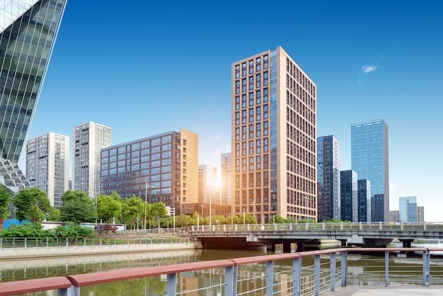 Moderne hochhäuser der stadt