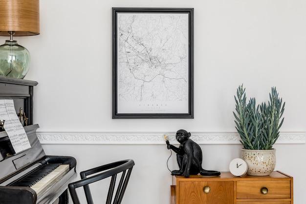 Moderne komposition der inneneinrichtung mit stilvollem schwarzem klavier, designschrank, frühlingsblumen, lampe, dekoration, plakatkarte und eleganten persönlichen accessoires in stilvoller wohnkultur.