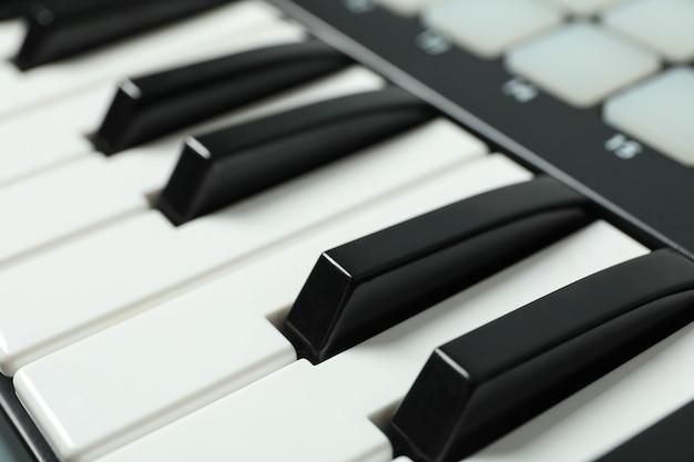 Moderne midi-tastatur, nahaufnahme