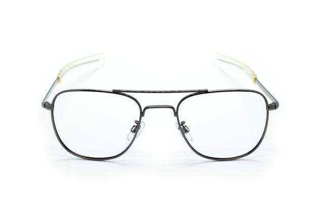 Moderne modische brille isoliert auf weißem hintergrund, perfekte reflexion, brille