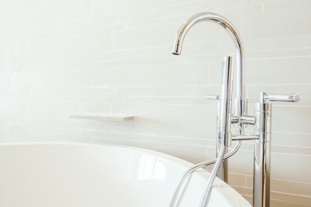 Moderne neue behindertengerechtes bad wanne