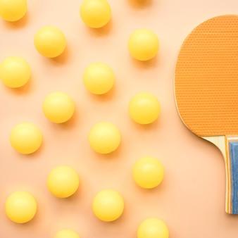 Moderne sportkomposition mit ping-pong-elementen