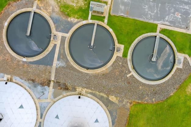 Moderne städtische kläranlage wasserreinigung ist der prozess der beseitigung unerwünschter