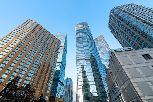 Moderne städtische wolkenkratzer und architekturlandschaften