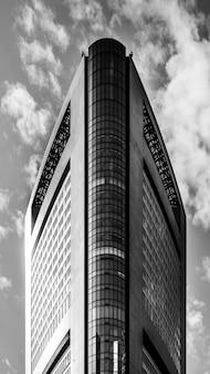 Moderne wolkenkratzer im geschäftsviertel