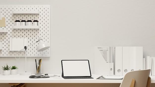 Moderner arztschreibtisch mit tablet-modell stethoskop medizinische zwischenablage weißes interieur 3d-rendering