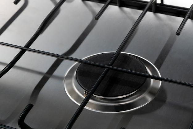 Moderner gasherd zum kochen in der küche.