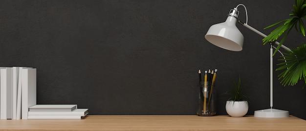 Moderner innenstil-kopierraum für produktpräsentation auf holztisch mit tischlampe und schwarzer wand