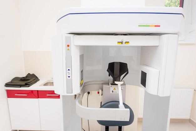 Moderner orthopantomograph, zahnärztliche panorama-röntgenmaschine