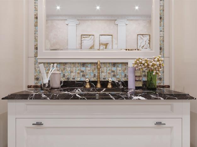 Modernes badezimmerinterieur mit gefliesten wänden
