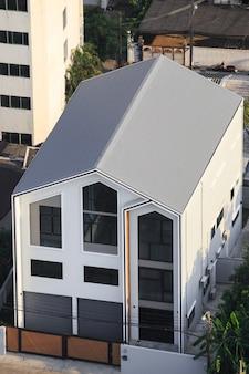 Modernes hausgebäude außen von oben