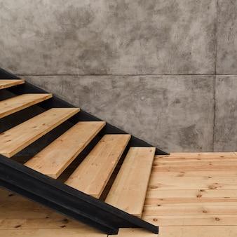 Modernes industrielles treppenhaus der nahaufnahme
