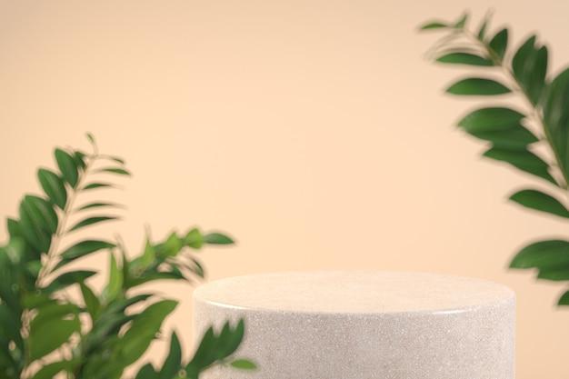 Modernes minimales steinpodest mit vordergrund tropischer pflanzentiefe des feldbeige-farbhintergrund-3d-renderings