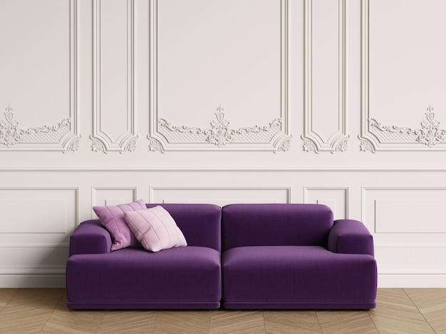 Modernes skandinavisches design sofa im klassischen interieur