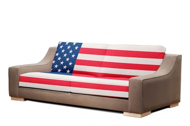 Modernes sofa mit usa-flagge