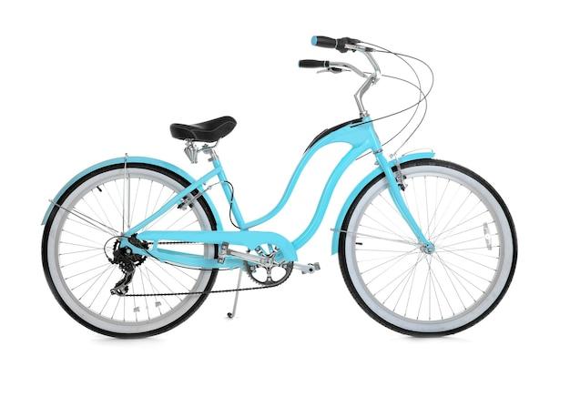 Modernes zweirädriges fahrrad auf weißem hintergrund