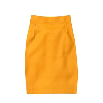 Modische klamotten. orange miniröcke isoliert auf weißer oberfläche