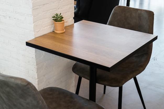 Möbel stellten in hippie-café ein