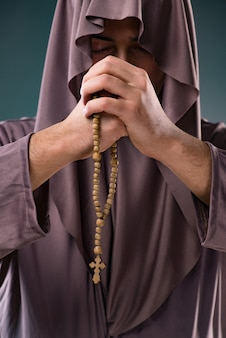 Mönch im religiösen konzept