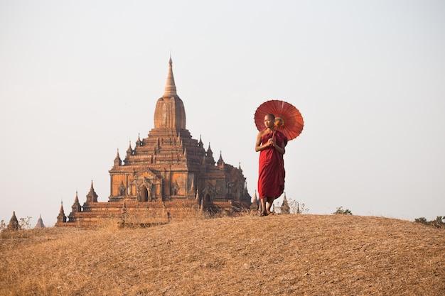 Mönch von bagan, myanmar