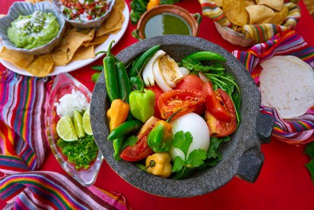 Molcajete für chili ranchera chili-sauce