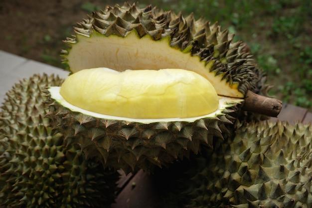 Mon thong durianfrucht aus thailand