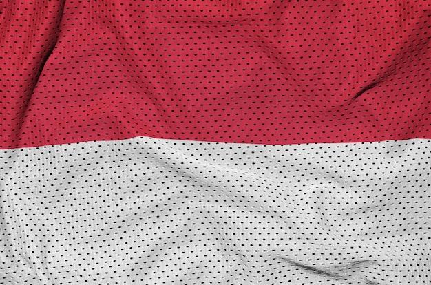 Monaco-flagge auf sportswear-netzgewebe aus polyester-nylon