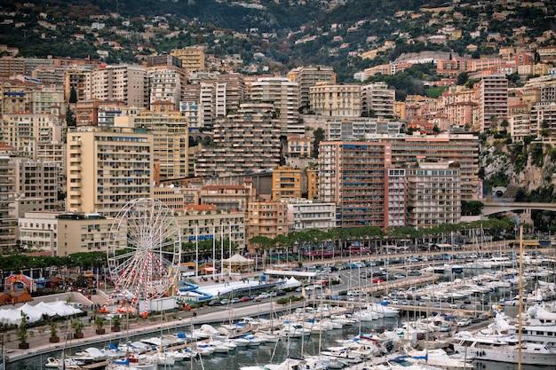 Monaco hafen mit vielen booten
