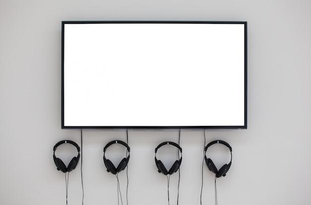 Monitor und kopfhörer