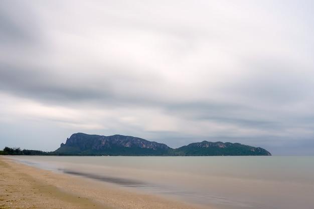 Monsun wird im meer ankommen.