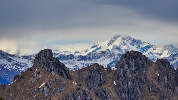 Monte schande in den westlichen raither alpen in italien