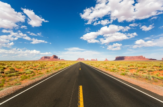 Monument valley road zum horizont