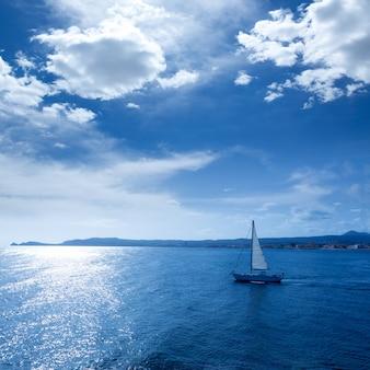 Morgenlichtsegelboot javea xabia in alicante