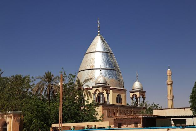 Moschee im bezirk omdurman in khartoum, sudan