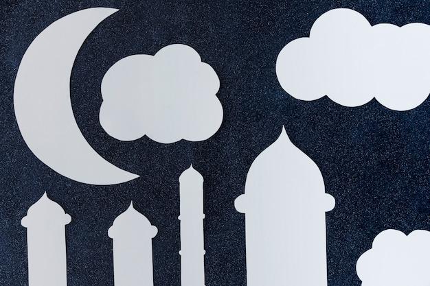 Moschee und wolken aus papier
