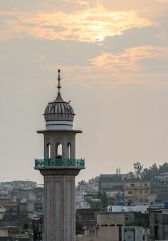 Moscheentempel mit sonnenaufgang